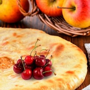Осетинский пирог с яблоком и вишней заказать с доставкой в Москве